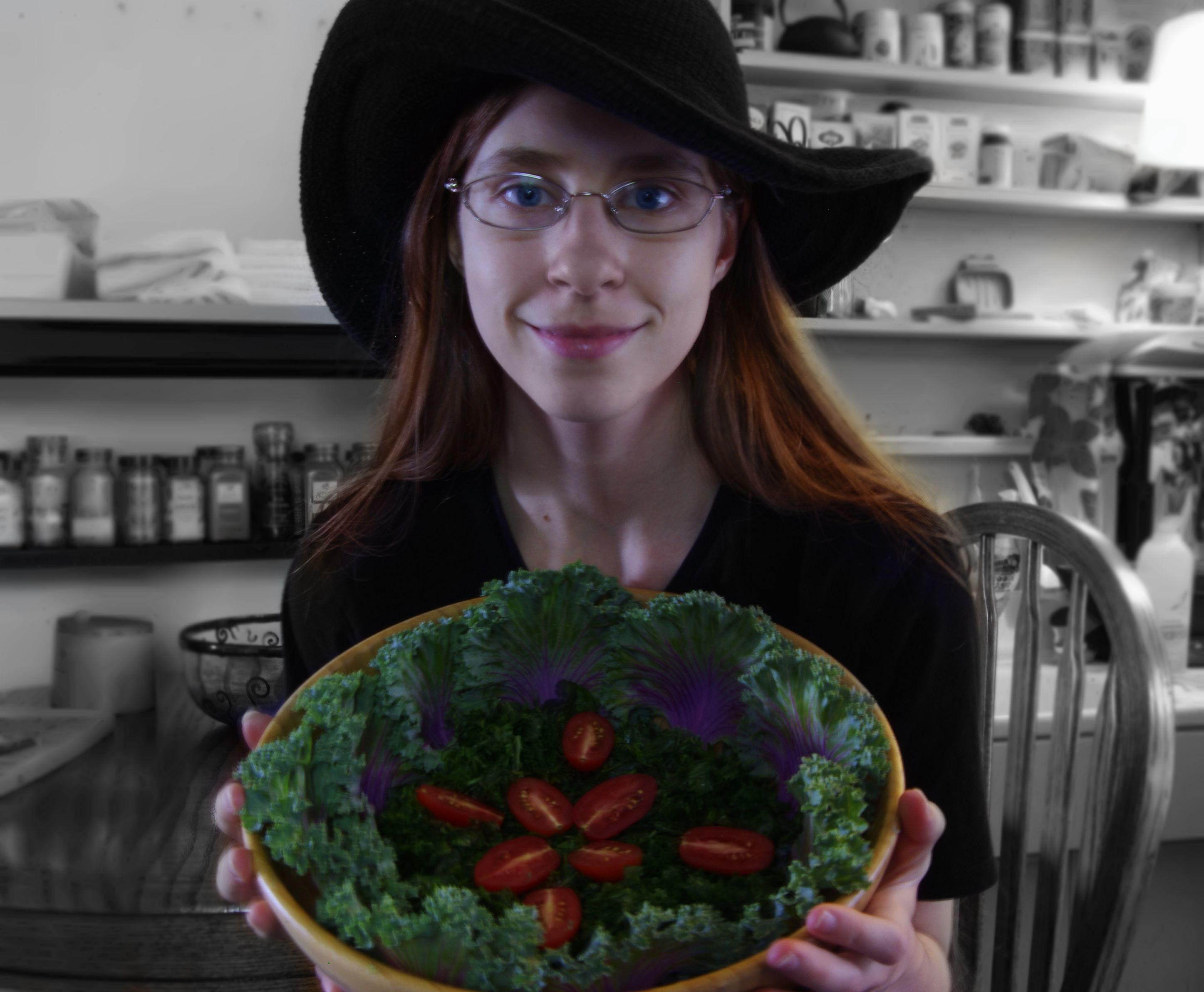 Raederle and kale tomato salad